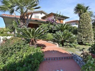 Villa a Marina di Pietrasanta - Marina Di Pietrasanta vacation rentals