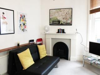 The Entertainment District's Retreat - London vacation rentals