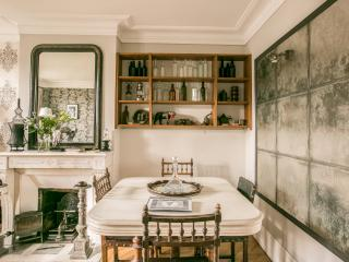 Bright Condo with Internet Access and Kettle - Paris vacation rentals