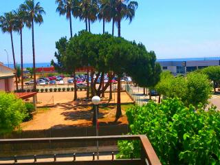 Apartment view sea, 100m beach,  25kms Barcelona - Cabrera de Mar vacation rentals