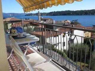 Apt Incanto, vista lago, in centro, wifi, park - Salò vacation rentals