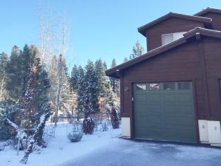 Thanksgiving Available!! Beautiful Boulders Condo - Truckee vacation rentals