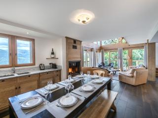 Perfect 4 bedroom Val Thorens Chalet with Internet Access - Val Thorens vacation rentals