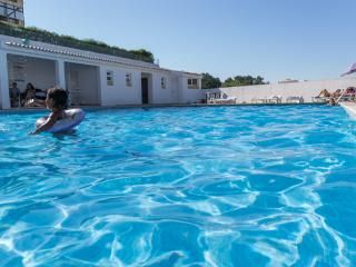 Wonderful Apartment with Pool in Olhos de Agua - Olhos de Agua vacation rentals