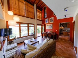Cozy 3 bedroom Vourvourou Villa with Internet Access - Vourvourou vacation rentals
