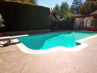 2 bedroom Villa with Internet Access in Los Angeles - Los Angeles vacation rentals