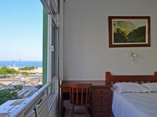 Beautiful studio with sea view in Copacabana for season rental. Accomodates up to 3 people! C089 - Rio de Janeiro vacation rentals
