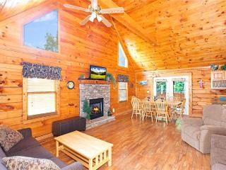 Lovely Cabin with Deck and Dishwasher - Pigeon Forge vacation rentals