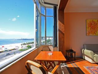 2 bedroom apartment for vacation rental in Atlantica Avenue at Copacabana beach. D058 - Rio de Janeiro vacation rentals