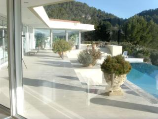 Nice Villa with Internet Access and House Swap Allowed - Salernes vacation rentals