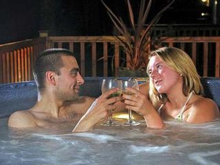 Hot Tub Lodge Sleeps 6: 195346 - Catterick vacation rentals