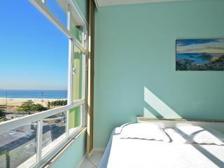 Economical studio in Rio de Janeiro with side sea view. C063 - Rio de Janeiro vacation rentals