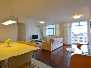 Luxurious apartment in Copacabana. T009 - Rio de Janeiro vacation rentals