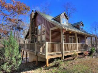 3 bedroom Cabin with Deck in Helen - Helen vacation rentals