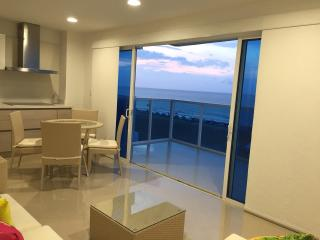 Apartment in front of the sea - Cartagena vacation rentals
