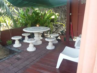 Romantic 1 bedroom Private room in Mahina - Mahina vacation rentals