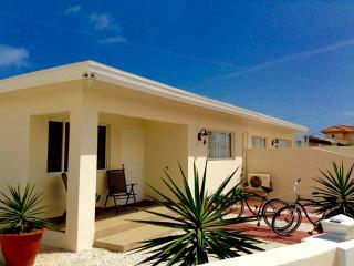 Mi Cadushi Apartments (Palm Beach, Noord) - Noord vacation rentals