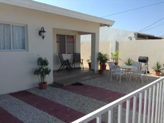 Nice 2 bedroom House in Noord - Noord vacation rentals