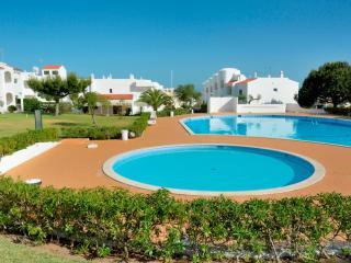 Brandy Yellow Apartment, Armacao de Pera, Algarve - Armação de Pêra vacation rentals