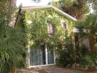 Cozy 3 bedroom Villa in Lignano Riviera - Lignano Riviera vacation rentals