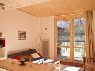Nice Condo with Internet Access and Long Term Rentals Allowed (over 1 Month) - Bagneres-de-Luchon vacation rentals