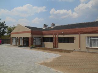 13 bedroom Lodge with Internet Access in Bulawayo - Bulawayo vacation rentals