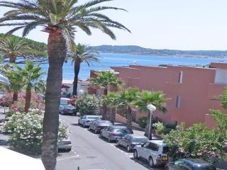 Appt T2 - Vue mer - Centre ville - St Maxime - Saint-Maxime vacation rentals