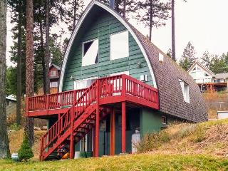 Amazing dog-friendly, lakeside cabin w/community amenities & boat slip! - Worley vacation rentals