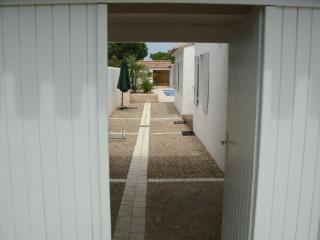 Maison individuelle avec piscine 4 ETOILES - Le Bois-Plage-en-Re vacation rentals