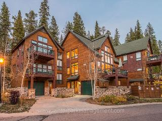 4 Bed 3 Bath Luxury Trademark Home - 1/4 mile from the slopes (sleeps 9 to 11 - Winter Park vacation rentals