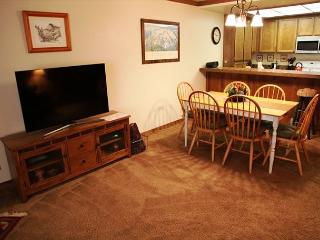 Spacious, Pet-friendly 2 Bedroom/2 Bathroom, Close to Canyon, Free WiFi! - Mammoth Lakes vacation rentals