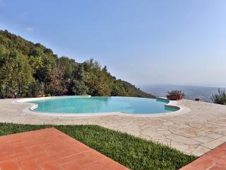 4 bedroom Villa with Internet Access in Valdicastello Carducci - Valdicastello Carducci vacation rentals