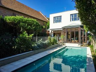 Serene and Stylish in Clovelly - Clovelly vacation rentals