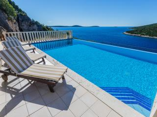 Beautiful Villa Sia for 8 with pool and sea view - Vinisce vacation rentals