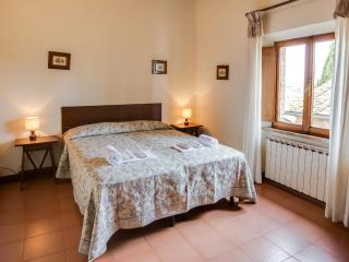 Poggio 1. Apartment with pool in the Chianti - Siena vacation rentals