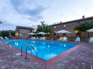 Poggio 3. Apartment with pool in the Chianti - Siena vacation rentals