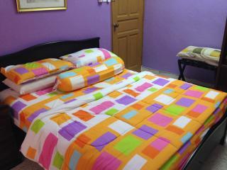 Fawwaz Homestay Seri Alam Pasir Gudang - Masai vacation rentals