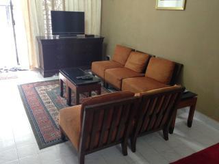 Fawwaz Homestay Seri Alam Masai Pasir Gudang - Masai vacation rentals