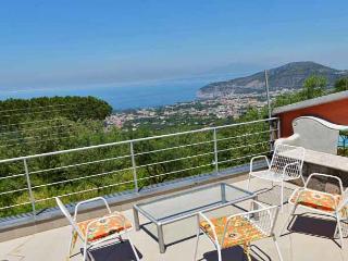 VILLA SUI COLLI - Colli di Fontanella - Sorrento - Sorrento vacation rentals
