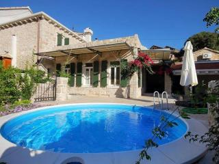 Mendula - Hvar vacation rentals