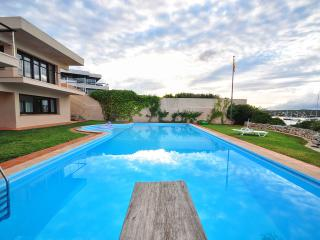 Comfortable 6 bedroom Vacation Rental in Es Castell - Es Castell vacation rentals