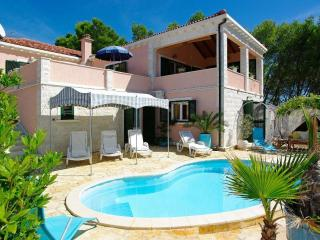 Lovely Villa with Internet Access and Dishwasher - Cove Mikulina luka (Vela Luka) vacation rentals
