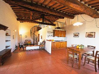 Poggio 2. Apartment with pool in the Chianti - Siena vacation rentals