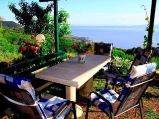 Cozy Villa in Makarska with Internet Access, sleeps 6 - Makarska vacation rentals