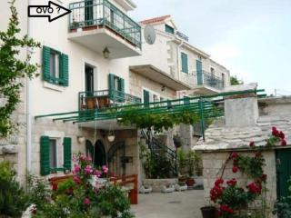 Lovely Condo with Internet Access and A/C - Podgora vacation rentals