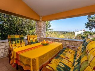 Nice Villa with Internet Access and Garden - Banjole vacation rentals