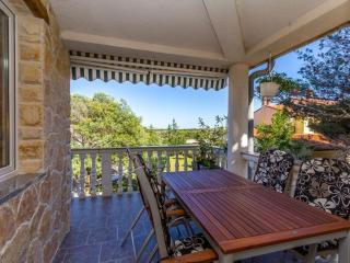 Liz apt 302 a5 - Liznjan vacation rentals