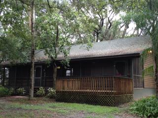 Charming cabin by the river - Tampa vacation rentals