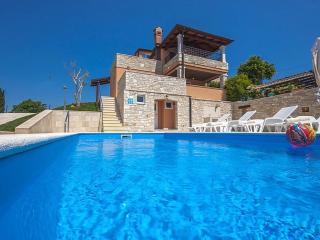 3 bedroom House with Internet Access in Porec - Porec vacation rentals