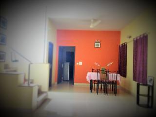 Trendy BNB Room, AC, WIFI, Laundry,breakfast: 1-3 - Bangalore vacation rentals